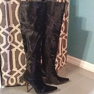 🔥Crush Velvet Black Knee High Boots🔥